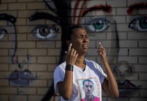 """Militância. Ana Paula de Oliveira que teve o filho morto por um soldado da UPP de Manguinhos, em 2014: """"Eu acredito na nossa luta, na luta das mães"""" Foto: ANTONIO SCORZA / Antonio Scorza"""