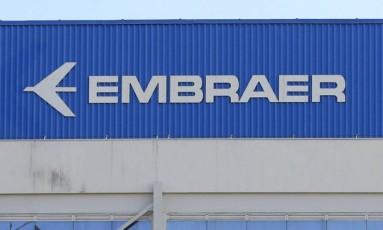 Embraer recebeu encomenda bilionária da companhia American Airlines Foto: Edilson Dantas / Agência O Globo