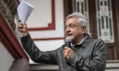 O presidente eleito do méxico, López Obrador, fala em uma conferência Foto: PEDRO PARDO / AFP