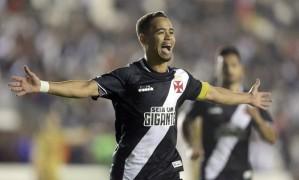 Yago Pikachu é uma das esperanças de gol do Vasco contra o Bahia Foto: Márcio Alves / Agência O Globo
