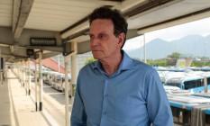 O prefeito do Rio, Marcelo Crivella, no Terminal Alvorada Foto: Brenno Carvalho/Agência O Globo/26-05-2018