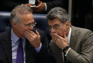 Os senadores Renan Calheiros e Romero Jucá, durante sessão do Senado Foto: Ailton de Freitas/Agência O Globo/08-12-2016