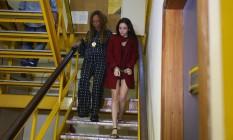 A namorada do médico presa na delegacia da Barra Foto: Fabiano Rocha / Agência O Globo