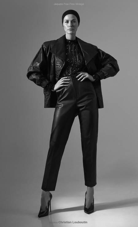 Blusa Rosa Chá; calças Reinaldo Lourenço; e jaqueta Frou Frou Vintage Foto: Thais Vandanezi