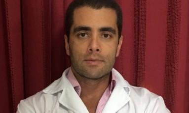 """O médico Denis Cesar Barros Furtado é conhecido como """"Doutor Bumbum"""" Foto: Facebook / Reprodução"""