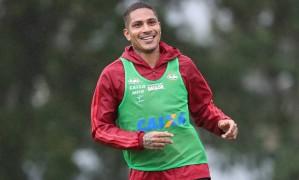 Flamengo quer contar com Guerrero contra o São Paulo Foto: Gilvan de Souza/Flamengo