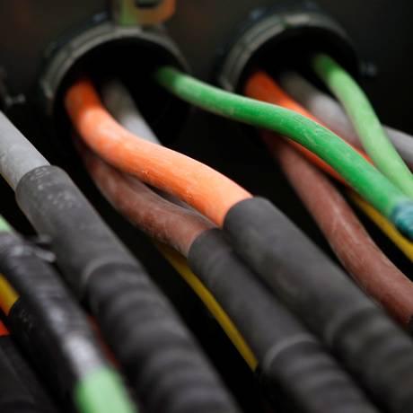 Redes de fibra ótica e centros de processamento de dados serão afetados Foto: Mike Segar / Agência O Globo