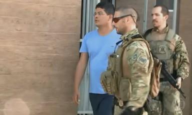 Um dos alvos da Operação Swindle é detido em São Luís, no Maranhão Foto: Reprodução/TV Globo