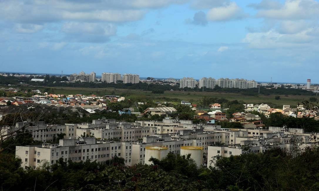 Panorâmica de Vargem Grande , visto da Igreja de Mont Serrat Foto: fabiano rocha / Agência O Globo