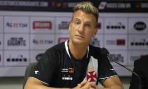 Maxi López foi apresentado como reforço do Vasco Foto: Pedro Teixeira / Agência O Globo