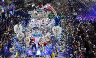 Beijar-Flor foi a campeã do Grupo Especial do Rio em 2018 Foto: Fernando Grilli / Agência O Globo
