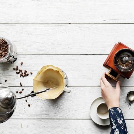 Moedores, filtros e temperatura certos no preparo do café gourmet Foto: Reprodução