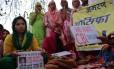 Mulheres fazem protesto exigindo a investigação de um caso de estupro e assassinato de uma menina muçulmana por um grupo de homens hindus Rasana, no interior da Índia, em abril deste ano: relatório da Fundação Thomson Reuters aponta o país mais perigoso do mundo para mulheres no mundo Foto: Saurabh Das/The New York Times
