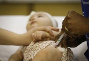 Vacinação em posto de saúde no Rio de Janeiro Foto: Pablo Jacob/Agência O Globo/05-07-2018