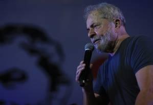 O ex-presidente Lula participa da comemorção do aniversário do PT, em São Paulo Foto: Edilson Dantas/Agência O Globo/22-02-2018