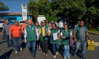 Traficantes impediram equipes da Secretaria Municipal de Saúde de Manaus de atuar em um bairro nesta quarta-feira Foto: Twitter (@PrefManaus)/Reprodução