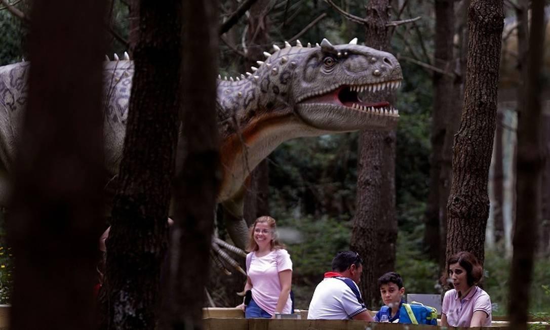 Mais de 175 mil pessoas já visitaram o Dino Parque de Lourinhã, a 70 quilômetros de Lisboa, desde sua inauguração, em fevereiro de 2018 Foto: JOSE MANUEL RIBEIRO / AFP