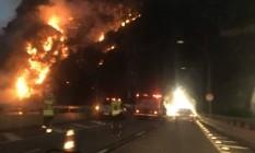 Incêndio atinge área de mata em São Conrado, na Zona Sul do Rio Foto: Reprodução/Onde Tem Tiroteio (OTT)