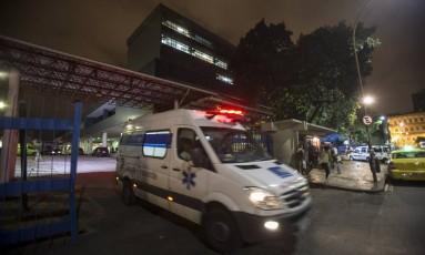 Decisões foram tomadas em reunião no Hospital Municipal Souza Aguiar Foto: Alexandre Cassiano / Agência O Globo