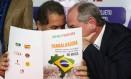 O presidente do PDT, Carlos Lupi, e o presidenciável do partido, Ciro Gomes Foto: Ailton de Freitas / Agência O Globo