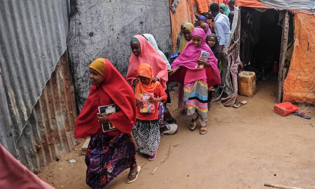 As meninas e mulheres da Somália são as que mais sofrem mutilação genital no mundo: estima-se que 98% das que têm entre 15 e 49 anos foram submetidas ao ritual, segundo a ONU Foto: MOHAMED ABDIWAHAB / AFP