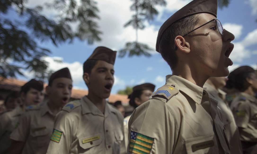 """aa13dd0f7a0bb Número de escolas públicas """"militarizadas"""" no país cresce sob o pretexto de  enquadrar os alunos - Época"""