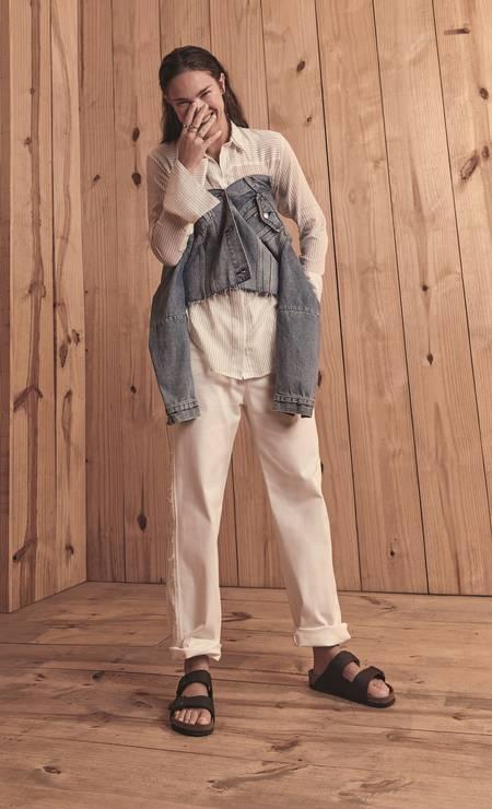 Camisa (R$ 339) Augustana, jaqueta (R$ 350) Levi's e calça (R$ 965) Andrea Marques na Dona Coisa Foto: Thais Vandanezi