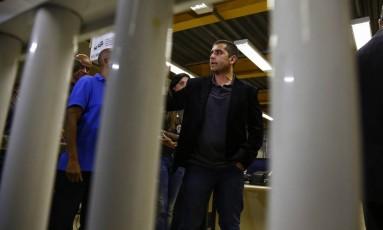Doutor Bumbum no dia de sua prisão, na 16ªDP (Barra da Tijuca) Foto: Uanderson Fernandes / Agência O Globo