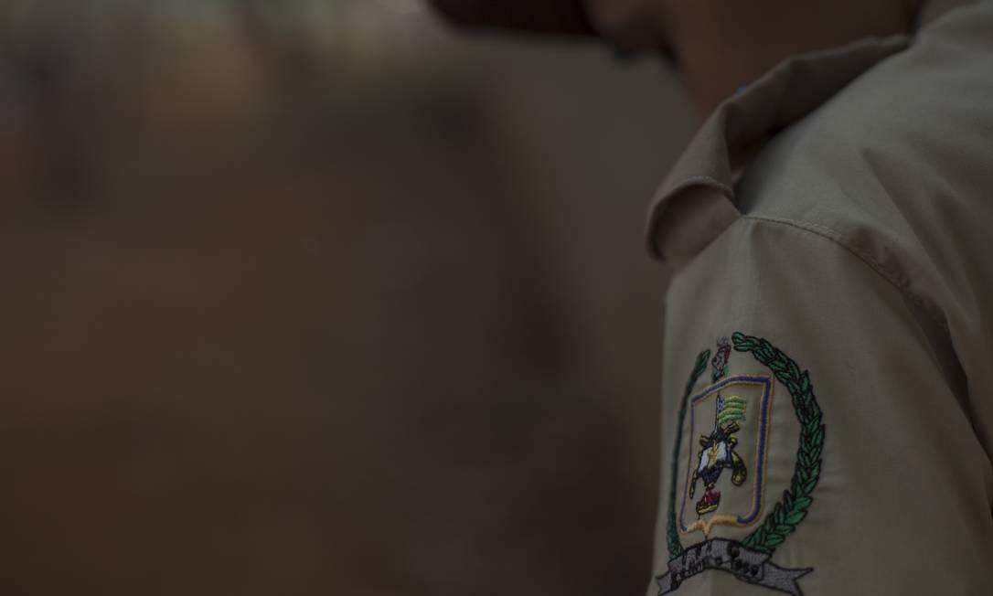 """O colégio Waldemar Mundim, na periferia de Goiânia, estabeleceu a """"linha dura"""" depois da militarização Foto: Daniel Marenco / Agência O Globo"""