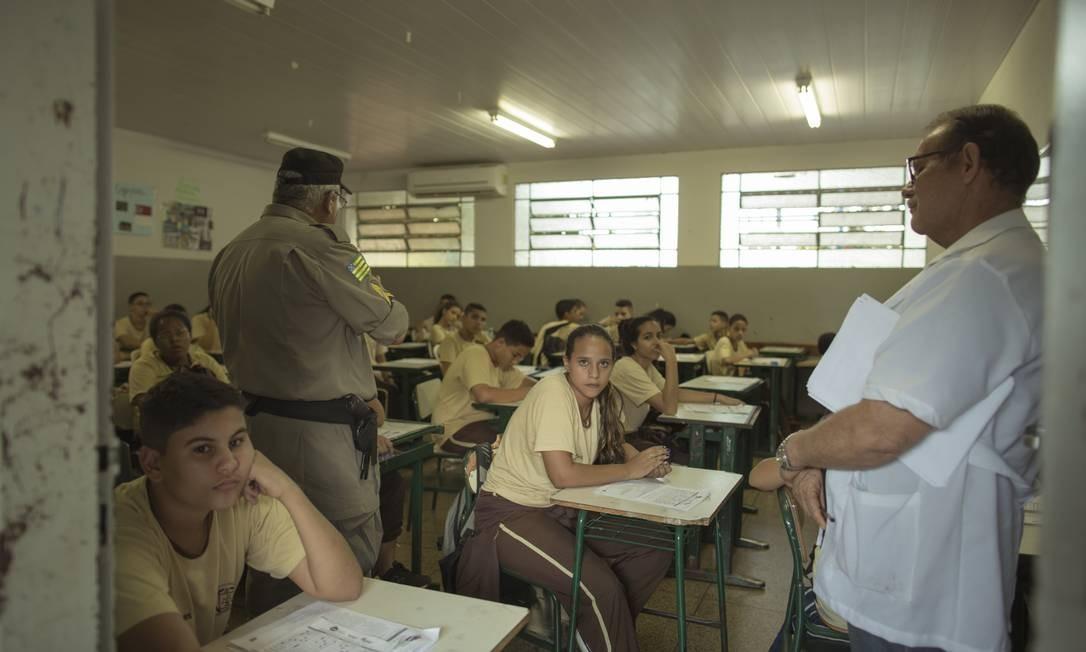 Há cobrança de taxas e mensalidades nas 46 escolas militarizadas de Goiás Foto: Daniel Marenco / Agência O Globo