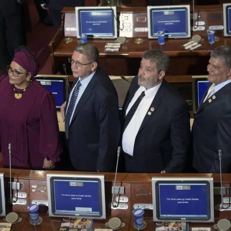 Membros da Farc durante cerimônia de posse no Congresso da Colômbia Foto: RAUL ARBOLEDA / AFP