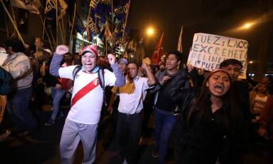Manifestantes protestam contra escândalo de corrupção no Judiciário do Peru Foto: MARIANA BAZO / REUTERS