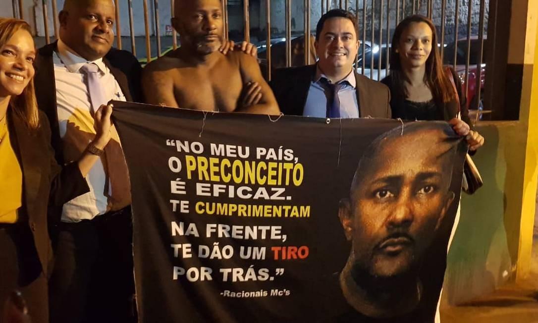Motorista de Uber preso por engano no Rio é solto após sete dias na cadeia