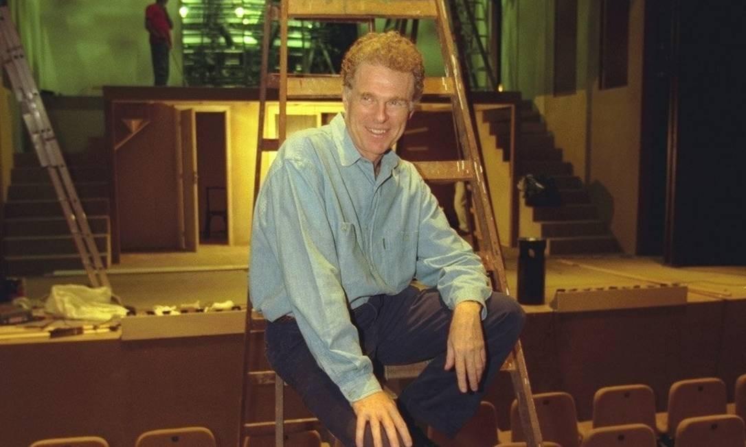 Morre no Rio o cenógrafo Helio Eichbauer, aos 76 anos