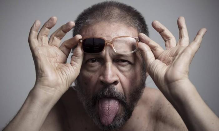 O artista Victor Arruda prepara exposição individual no Museu de Arte Moderna (MAM) em comemoracao aos seus 70 anos. Foto: Leo Martins / Agência O Globo