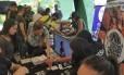 Venezuelanos trocam remédios por CDs Foto: Divulgação/Provea