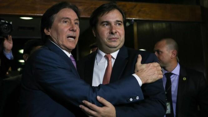 O presidente do Senado, Eunício Oliveira, e o presidente da Câmara, deputado Rodrigo Maia Foto: Fabio Rodrigues Pozzebom / Agência Brasil