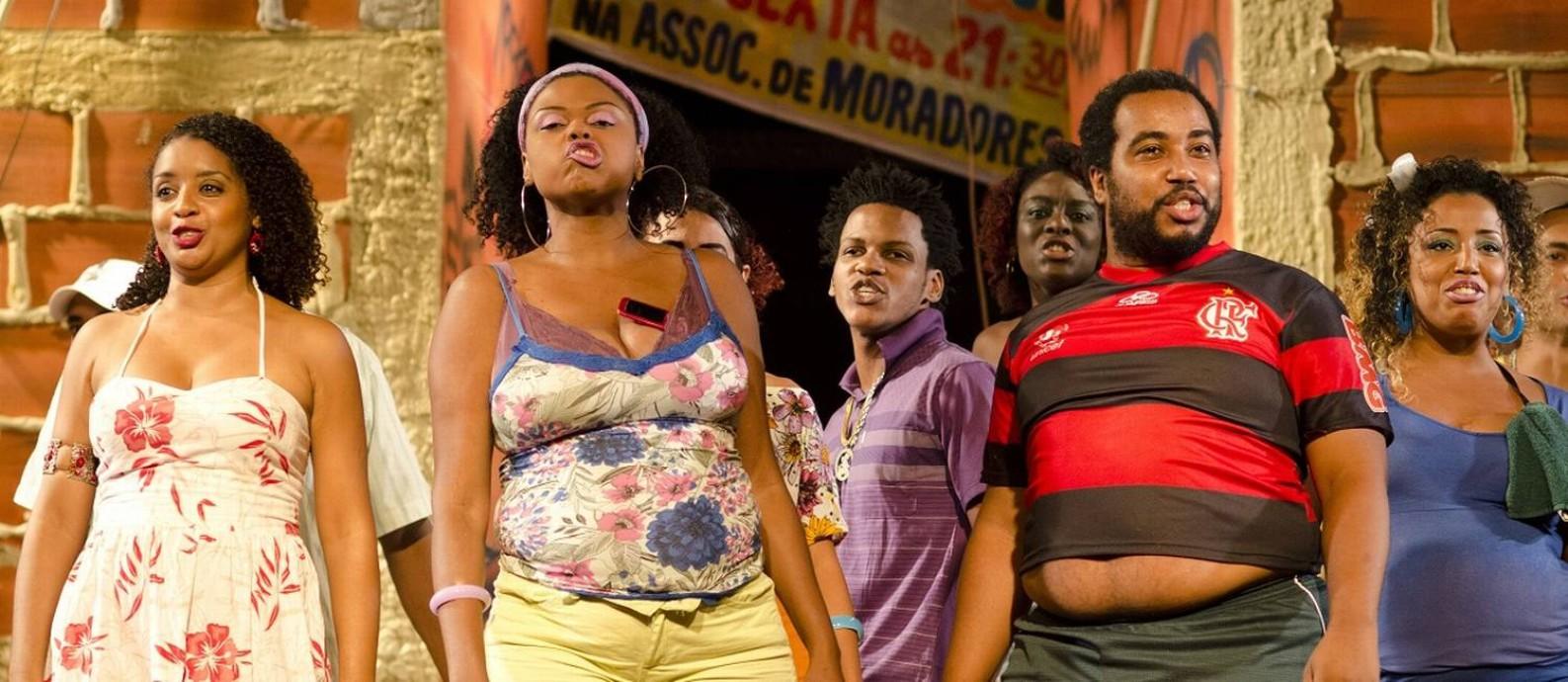 O elenco do espetáculo 'Favela', que se repete em 'Favela 2 - a gente não desiste' Foto: Divulgação/Fernanda Sabença / Divulgação/Fernanda Sabença