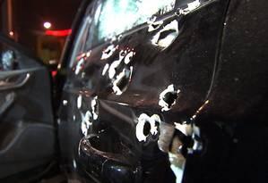 Homem é morto dentro de carro blindado com mais de 70 tiros de fuzil em São Paulo Foto: Reprodução/TV Globo