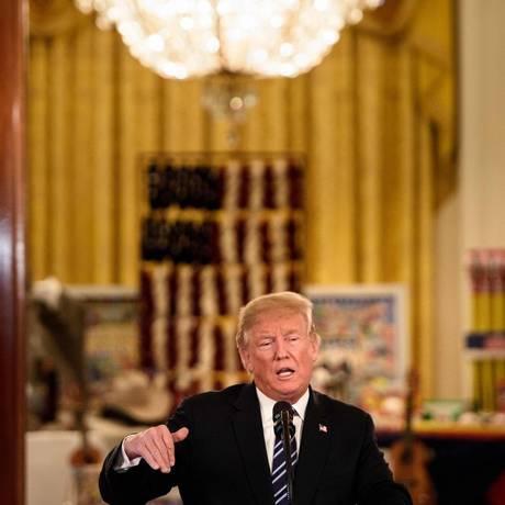 A gestão do presidente Donald Trump planeja ajuda de US$ 12 bilhões para os agricultores afetados com as disputas comerciais entre China e Estados Unidos Foto: Brendan Smialowski/AFP