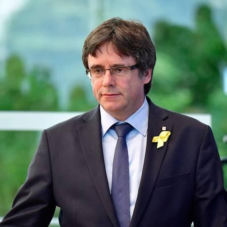 Presidente deposto regional da Catalunha, Carles Puigdemont, anuncia que irá para a Bélgica Foto: TOBIAS SCHWARZ / AFP