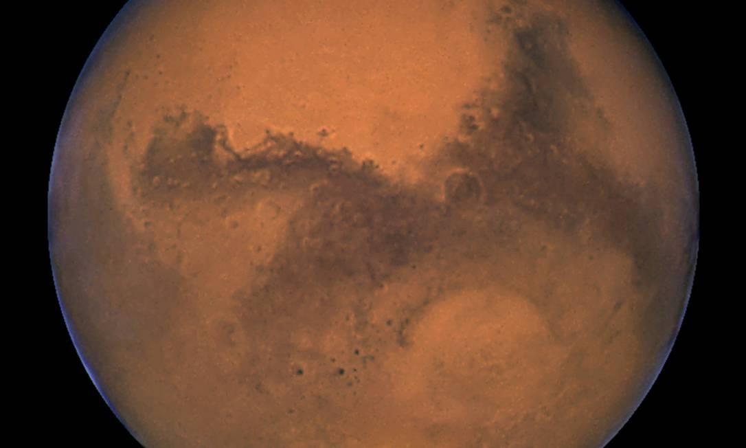 Lago com água em estado líquido é descoberto em Marte - Jornal O Globo f77e4c48586