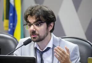 Guilherme Mello, professor da Unicamp, durante audiência no Senado Foto: Marcos Oliveira/Agência Senado/8-11-2016