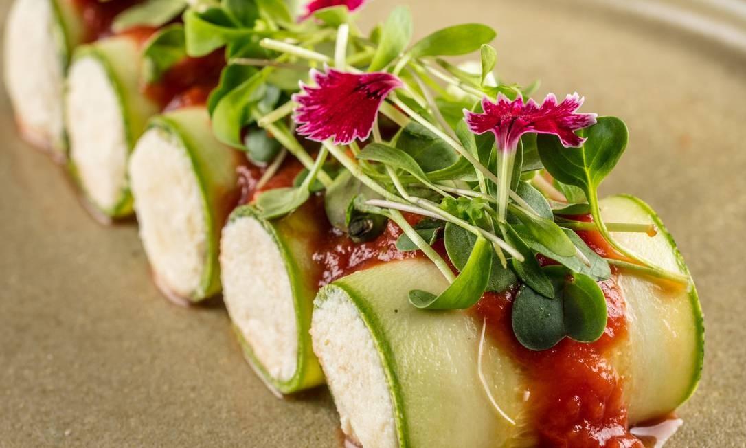 Conheça a Keto Plant, mistura das dietas vegana com cetogênica