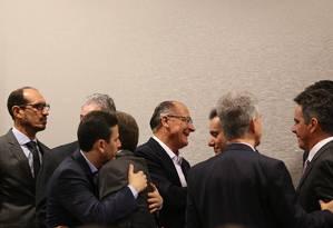 O pré-candidato do PSDB à Presidência da República, Geraldo Alckmin participa da reunião do Blocão, que consolida o apoio a sua campanha presidencial Foto: Ailton de Freitas / Agência O Globo