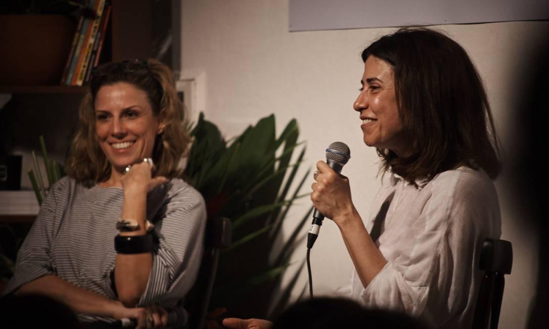 """Daniela Pinheiro e Fernanda Torres debatem o tema """"Ficção X Não Ficção"""" na Casa Época & Vogue Foto: Marcelo Saraiva Chaves"""