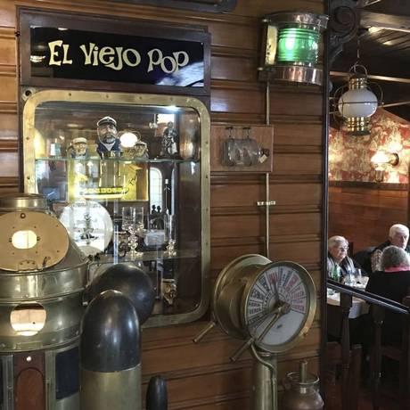 A bordo. O interior do El Viejo Pop é decorado como se fosse um antigo barco de pescadores Foto: Fotos de Janaína Figueiredo