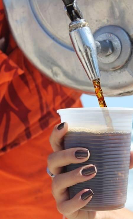 Geneal. O tradicional galão da praia foi parar nas lojas da rede. O mate é servido puro ou com limão (R$ 4,50, 300ml) Foto: Luciana Palhares / Divulgação