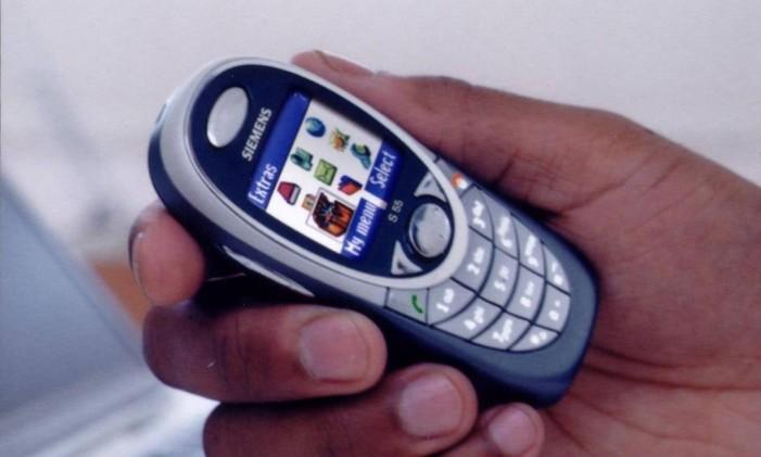 Siemens lança celular com display colorido Foto: Arquivo / O Globo
