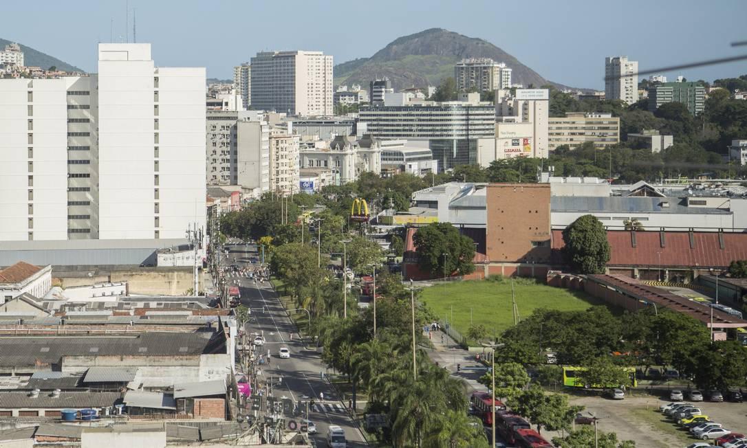 Avenida Visconde do Rio Branco será reurbanizada: ônibus, carros e bicicletas andarão em pistas separadas Foto: Analice Paron / Agência O Globo